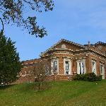 De Courceys Manor