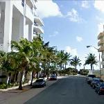 La strada fronte Hotel per spiaggia