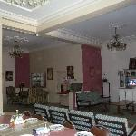 foyer/dining area