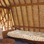 ロフトには小さなベッドが