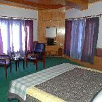 Deluxe Double Bedded Room
