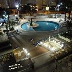 Hotel marina ( foto nocturna de la piscina