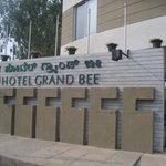 Grand Bee Hotel