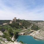 Vistas de Alarcón (Cuenca)  y su fortaleza.