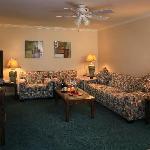 Living Room, Deluxe One Bedroom Suite