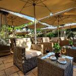 Caprice Lounge Garden