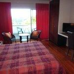 Chambre avec terrasse grand lit Hôtel l'Ermitage Le Puy en Velay