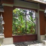 Entrance Bunga Bali Resort