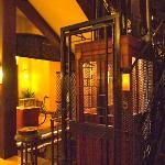 Elegant Retro- victoria style elevator