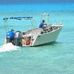 boat transfer to beach picnic