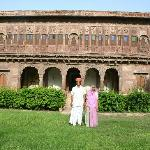 Praduman and his mother in front of the fort