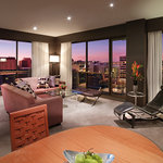 Medina Grand Melbourne - Penthouse Apartment