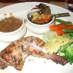 Spiced chicken, dahl makhni, vegetables, clams