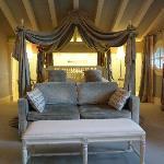 Getaria Suite bedroom