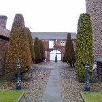 Loftsome Bridge Coaching House- The impressive grounds
