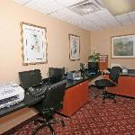 24 Hour Business Center available to guests!