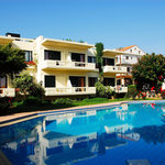 Self catering studios and apartments with swimming pool