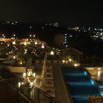 部屋から見たホテル。
