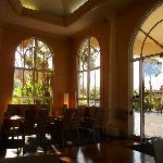 Lobby+Breakfast area