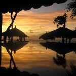 Strandbar bei Sonnenuntergang