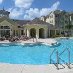 piscina y club house