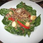 Spinach salad with scallops