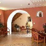hall d'accueil le provence lanarce