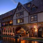 AAA Four-Diamond Luxury in Historic Biltmore Village