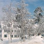 Front of the 1785 Inn in Winter