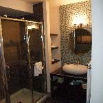 Salle de bain - Coin douche vitrée