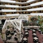 Foto de Embassy Suites by Hilton Hotel & Montgomery Conference Center