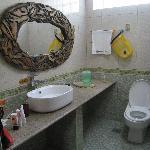 Bathroom (left)