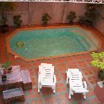 Foto dal primo piano della piscina
