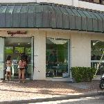 Photo de Yogurtland Waikiki Beach
