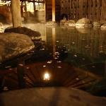 湯量豊富な自家源泉の湯処。