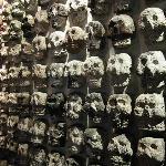Templo Mayor Azteca. Tzompantli, pared tapiada de cráneos humanos