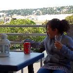 petite cliente sur terrasse de chambre