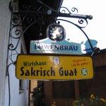 Sakrisch Guat resmi