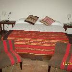 habitación doble, muy amplia, cómoda y decorada con calidez y buen gusto