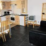 Loftus road apartment - kitchen / living room