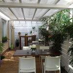 unsere kleine überdachte Terrasse