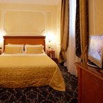 โรงแรมได คอนโซลิ