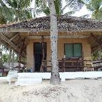 this is the single detached beachfront room as you also can see on their website