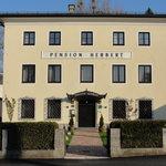 Hotel Pension Herbert - Front View