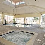 Indoor Pool & Hote Tub