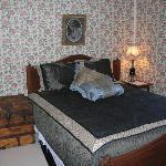 Room 6 Queen