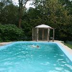 Le Petit Manoir - la piscina 2
