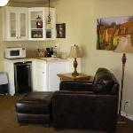 Kitchenette, TV/DVD, recliner -- just like home!