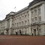Only 5 minute walk from Buckingham Palace