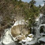 雪の「竜頭ノ滝」